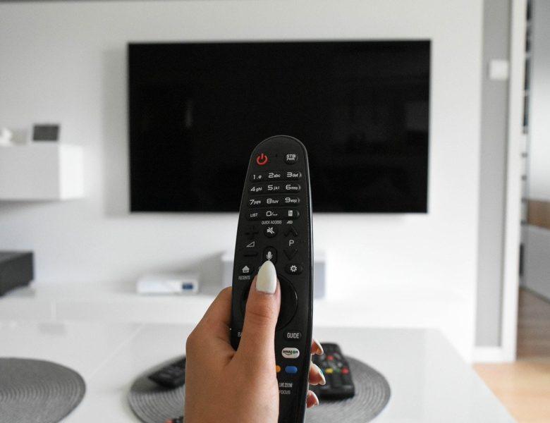 Kupujemy stolik RTV – na co powinniśmy zwrócić uwagę?